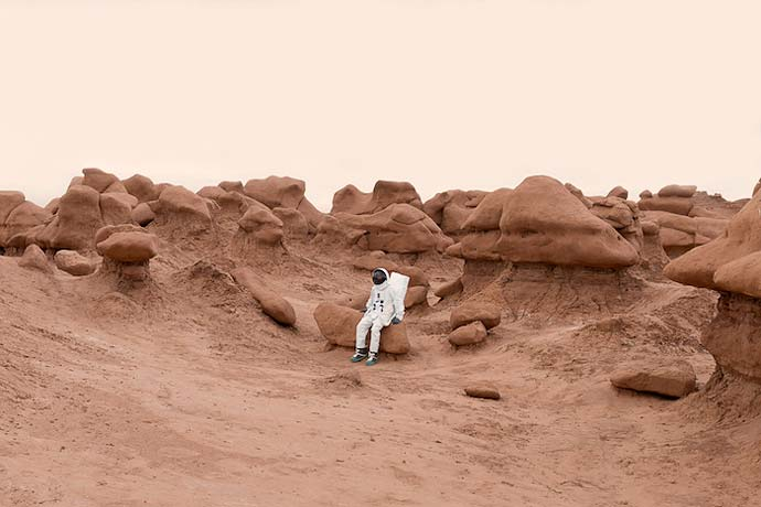 Greetings From Mars - Привет с Марса фотографа Julien Mauve
